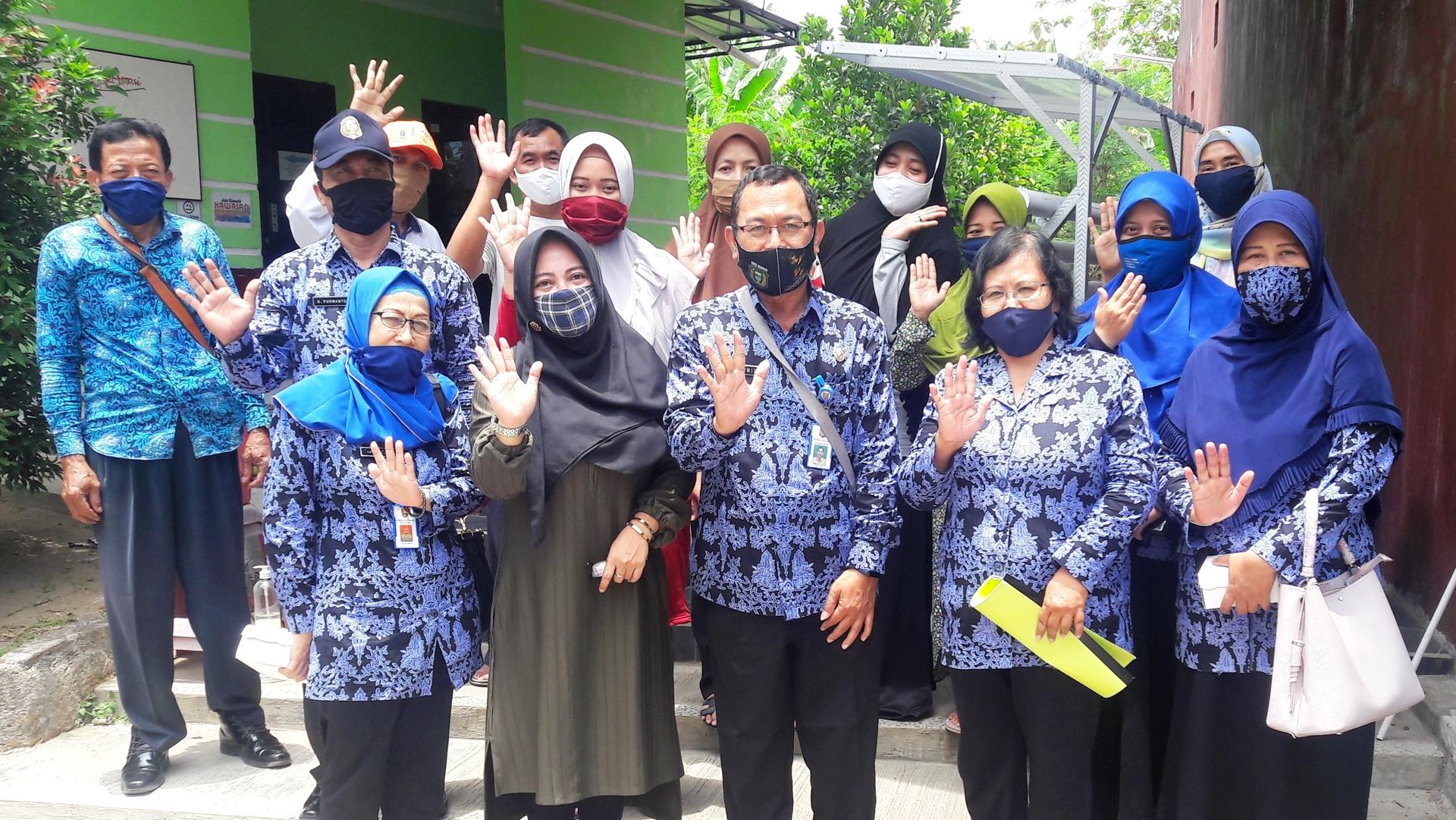 Pelatihan Hidroponik Di Kampung Tangguh Semeru Kelurahan Josenan
