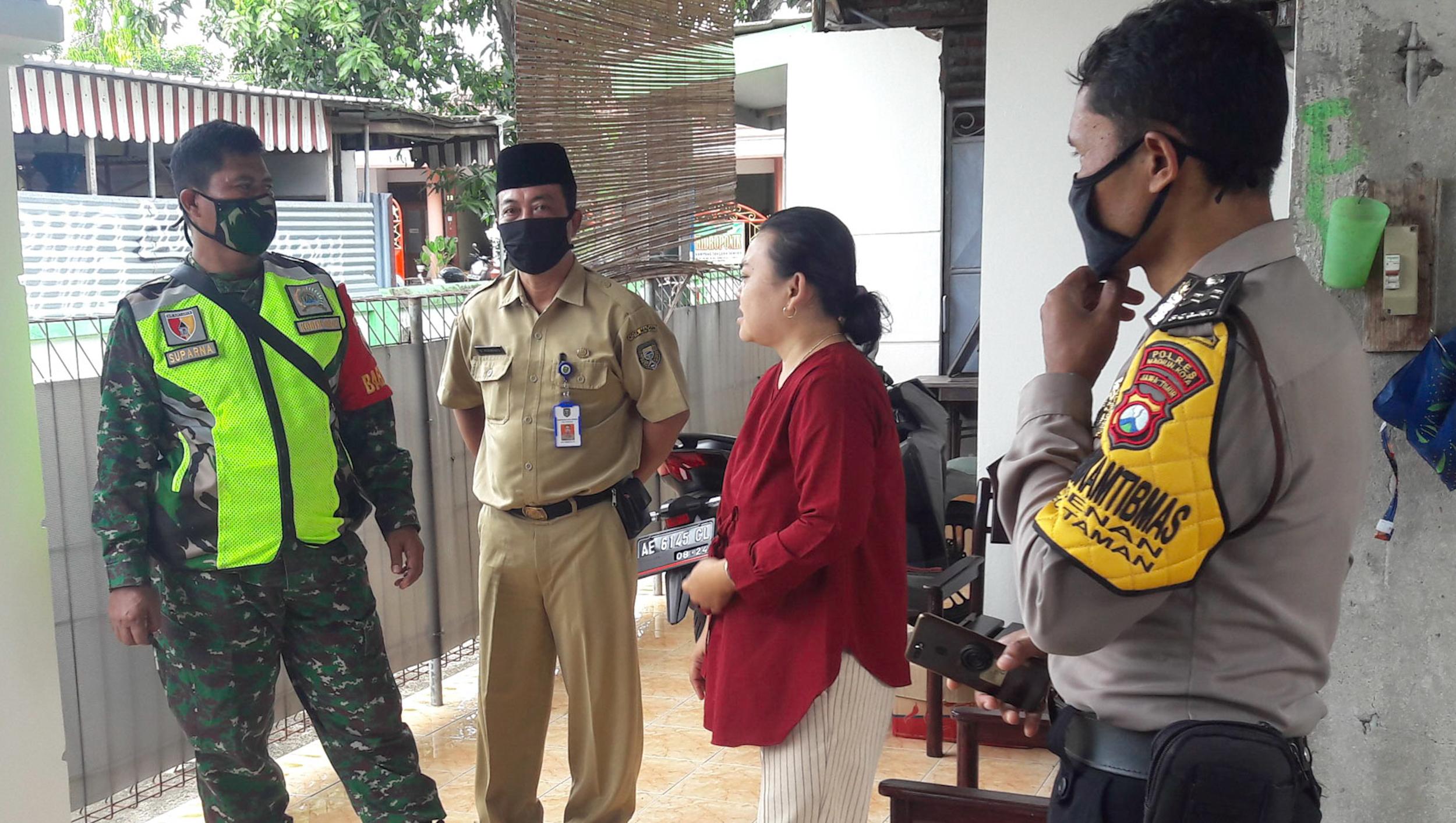 Tiga Pilar Kelurahan Josenan Lakukan Monitoring di Rumah-Rumah Kos